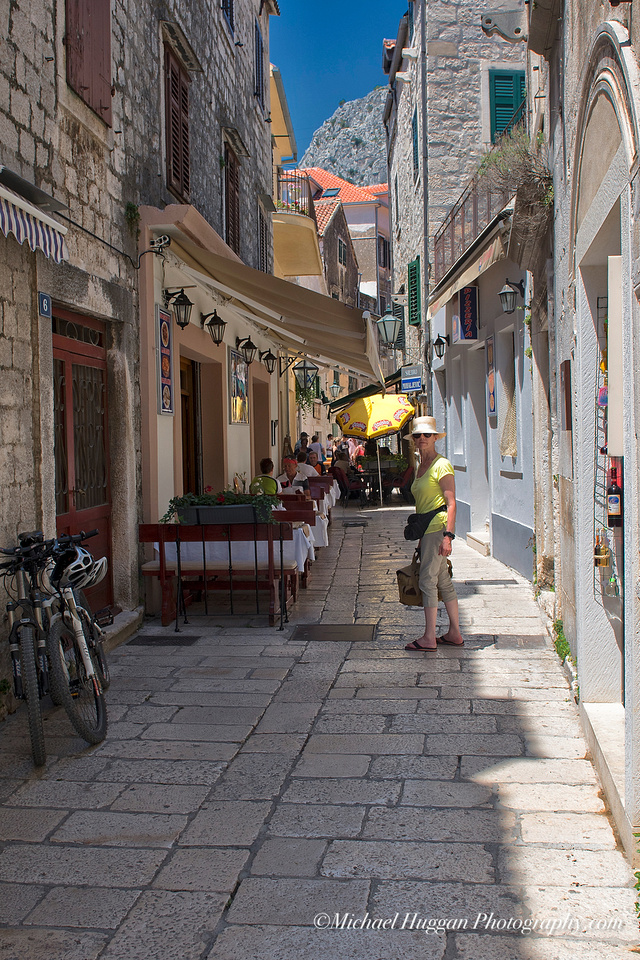 One of the narrow walkways in Omis