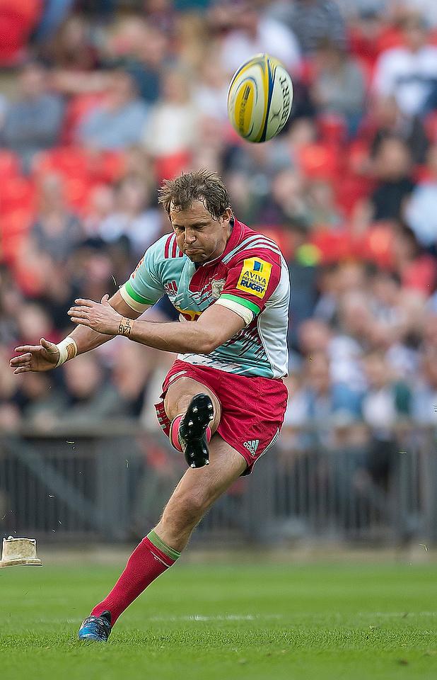 Tim Evans of Harlequins takes a penalty kick Saracens v Harlequins rugby match at Wembley 6 April 2017. Photo: Michael Huggan